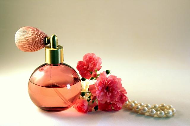 Geschenkset Rosen Kostbarkeit Von Dr Hauschka Fragwinni