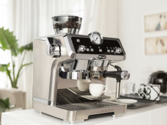 Küchenmaschine, Espressomaschine, Kaffeevollautomat und Stabmixer zu gewinnen