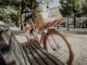 Französisches Fahrrad mit einem Weinpaket von Mouton Cadet zu gewinnen